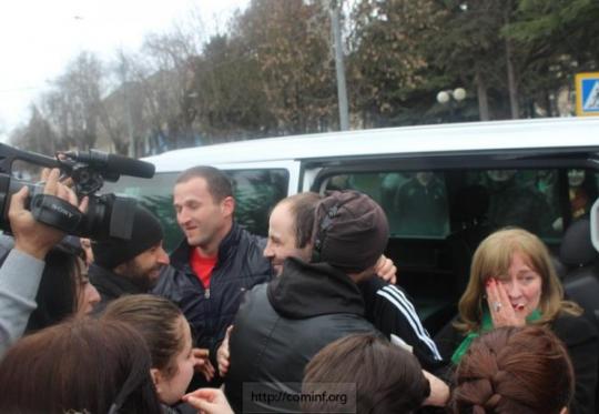 В Цхинвал прибыли освобожденные граждане Республики, ранее осужденные в Грузии