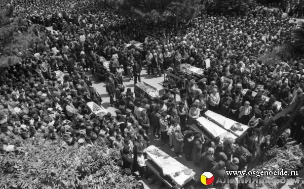Эксклюзив: Похороны жертв зарской трагедии